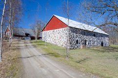 Straße zum schwedischen Bauernhof Lizenzfreie Stockfotografie