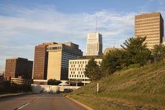 Straße zum Stadtzentrum von Akron Lizenzfreie Stockfotografie