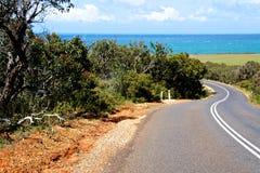 Straße zum Strand stockbilder