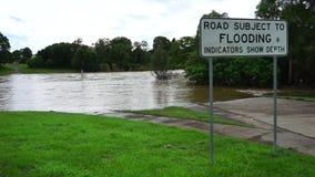 Straßenüberschwemmung stock footage