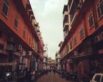 Straßen-Ansicht in die rosa Stadt Stockbilder