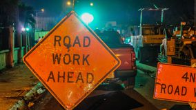 Straßen-Arbeit voran lizenzfreie stockfotografie