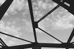 Straßen-Brücke in Lesko Stockfotografie
