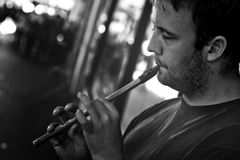 Straßen-Flötenspieler Stockfoto