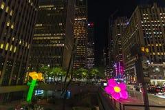 47-50 Straßen-Rockefeller Center-Station nachts in New York City, USA stockfotografie