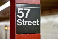 57. Straßen-U-Bahn - New York City Stockfotografie