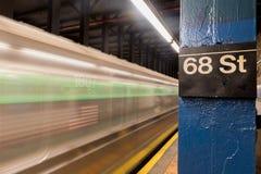 68. Straßen-U-Bahnstation Stockbilder
