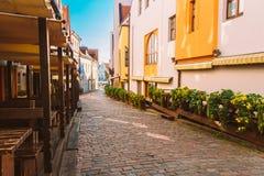 Straßen und alte Teil-Stadt-Architektur estnisch Stockbild
