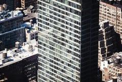 Straßen und Dächer von Manhattan Stockfotos