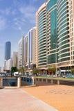 Straßen von Abu Dhabi, Hauptstadt von Vereinigte Arabische Emirate. Stockbilder