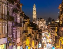 Straßen von Porto nachts lizenzfreies stockfoto