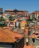 Straßen von Porto Portugal im Sommer lizenzfreie stockfotos