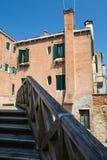 Straßen-Weg in Venedig am Sommer Lizenzfreies Stockfoto