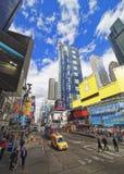 Straßenansicht über Broadway im Times Square Stockfoto