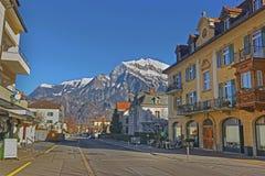 Straßenansicht der Alpen Stockfotografie