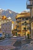 Straßenansicht der Alpen in der Stadt von schlechtem Ragaz Stockfotografie