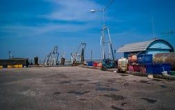 Straßenansicht des Fischereihafens Stockbilder