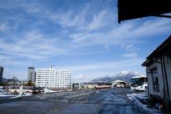 Straßenansicht des Japan-Busbahnhofs Stockfotos