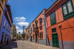 Straßenansicht vom alten Stadtzentrum, San Cristobal de La Laguna, Teneriffa, Kanarische Inseln, Spanien - 13 05 2018 lizenzfreie stockbilder