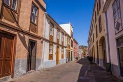 Straßenansicht vom alten Stadtzentrum, San Cristobal de La Laguna, Teneriffa, Kanarische Inseln, Spanien - 13 05 2018 lizenzfreie stockfotografie