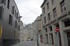 Straßenansicht von Saint Malo, Bretagne, Frankreich lizenzfreie stockbilder