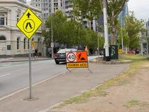 Straßenarbeiten auf der Straße, Melbourne Stockbilder