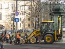 Straßenarbeiten im Stadtzentrum Lizenzfreies Stockbild