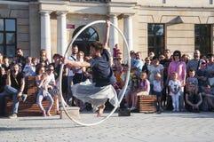 Straßenausführender LUBLINS, POLEN 29. Juli 2017 - an Festival Carnaval Sztukmistrzow gelegt in Stadtraum von Lu Stockfoto