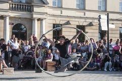 Straßenausführendtanzen LUBLINS, POLEN 29. Juli 2017 - mit dem Rad an Festival Carnaval Sztukmistrzow gelegt in Stadtabstand von  Lizenzfreie Stockbilder
