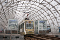 Straßenbahn in der Station Stockbild