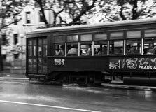 Straßenbahn im Regen Lizenzfreie Stockfotos