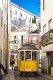 Straßenbahn 28, Lissabon Stockfoto