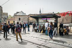 Straßenbahnhalt in Taksim, Istanbul, die Türkei Lizenzfreie Stockbilder