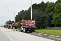 Straßenbau-LKWs Stockbilder