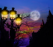 Straßenbeleuchtung Barcelonas Rambla Catalunya backligth Lizenzfreie Stockfotografie