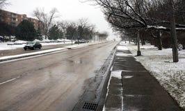 Straßenbild des hellen Schnees Stockfoto