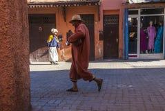 Straßenbild in Marrakesch lizenzfreie stockbilder