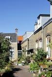 Straßenbild mit Häusern in der alten Stadt von Scheveningen, Den Haag Lizenzfreie Stockfotos