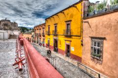 Straßenbild nahe bei San Miguel de Allende Church stockfoto