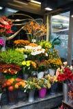 Straßenblumenladen Stockfoto