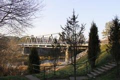 Straßenbrücke über dem Biberfluß auf der Autobahn lizenzfreie stockfotos