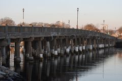 Straßenbrücke in Yarmouth, Cape Cod, Massachusetts lizenzfreies stockfoto