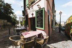 Straßenecke in Paris Stockbild