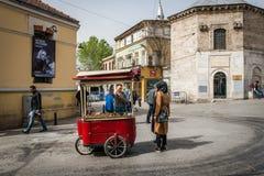 Straßenhändler auf Istiklal-Straße in Istanbul, die Türkei Stockbild