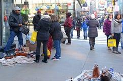 Straßenhändler herein in Midtown Manhattan Lizenzfreie Stockfotos