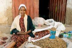 Straßenhändlerfrau in harar Äthiopien Lizenzfreies Stockbild