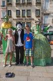 Straßenkünstler mit Kindern Lizenzfreie Stockfotografie