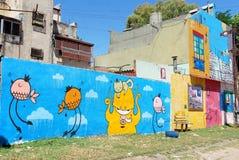 Straßenkunst in La Boca-Nachbarschaften Stockfoto