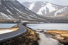 Straßenkurve in Island stockbild