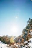 Straßenlandschaft mit Berg lizenzfreies stockfoto